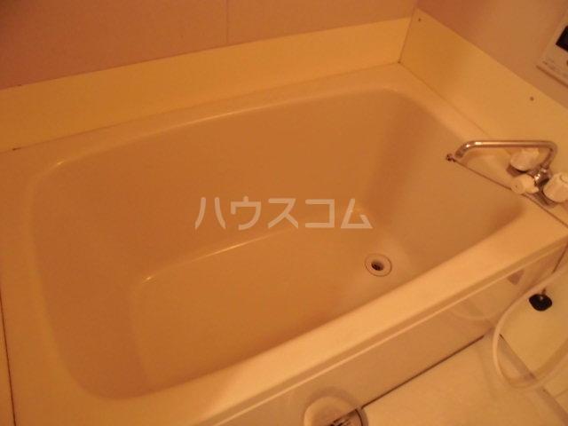 コーポラス花園 201号室の風呂