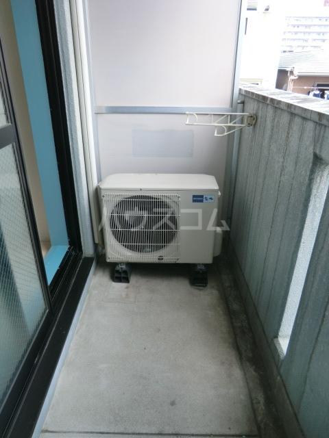 メゾン・ド・オルティー 0307号室のバルコニー