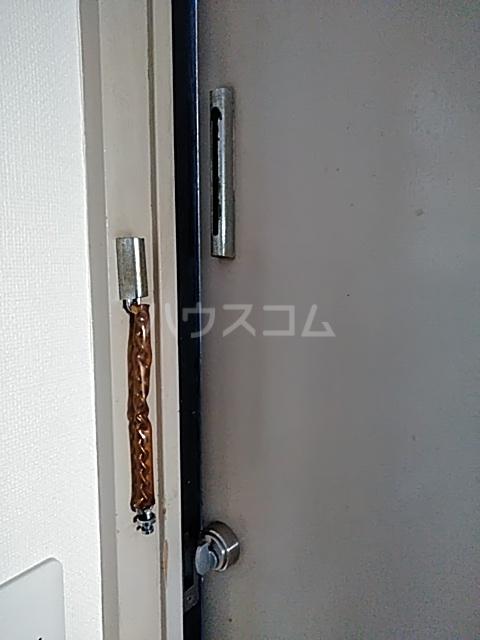 ドルフ三軒茶屋 102号室のセキュリティ