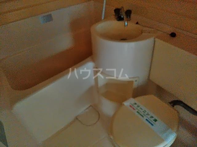 ドルフ三軒茶屋 102号室の風呂