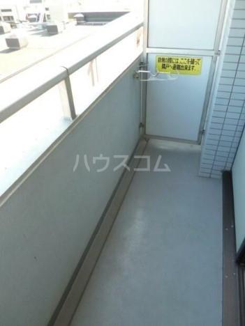スカイコート下高井戸 1108号室のバルコニー