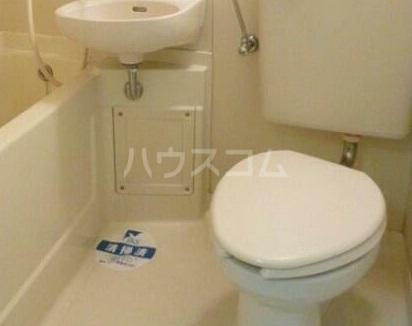 スカイコート下高井戸 907号室のトイレ