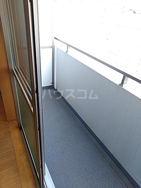 CHARITE HIYOSHI 207号室のバルコニー