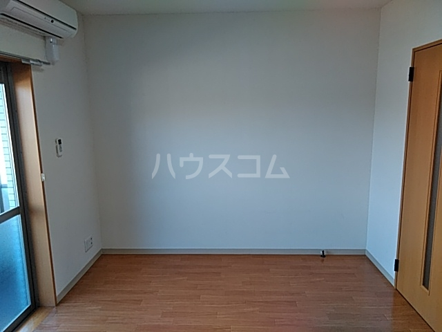 CHARITE HIYOSHI 207号室のリビング