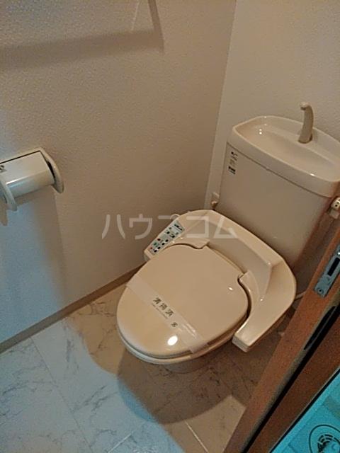 CHARITE HIYOSHI 207号室のトイレ