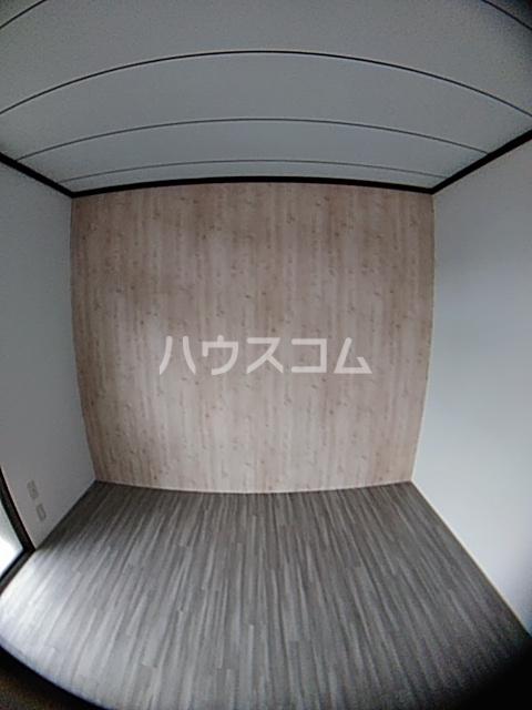 葉月ハイツA 203号室の居室