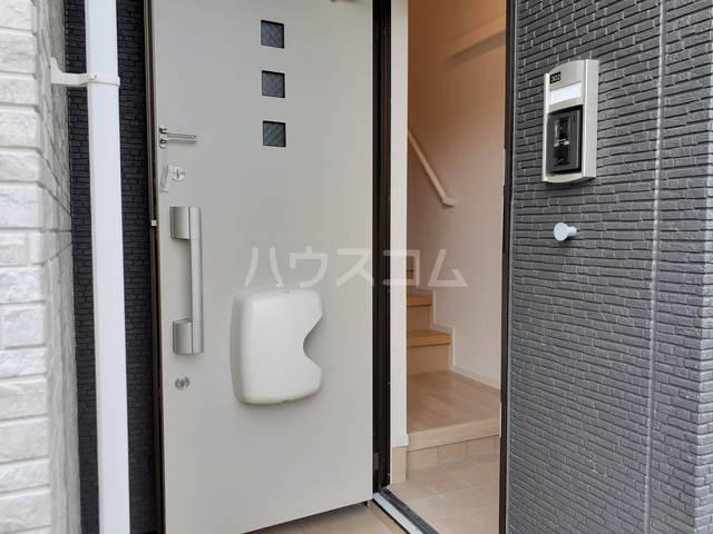 サン・トレイス 03020号室の玄関