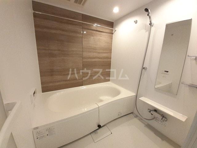 サン・トレイス 03020号室の風呂