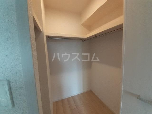 サン・トレイス 03040号室の収納