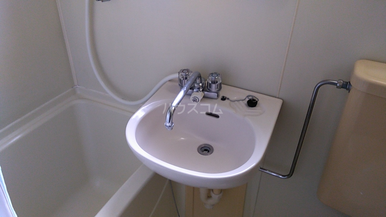 第8笠原ビル 501号室の風呂