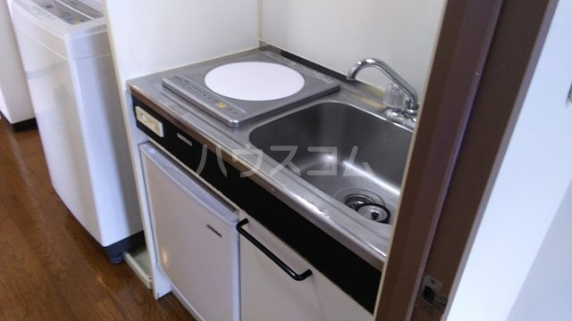 第8笠原ビル 501号室のキッチン