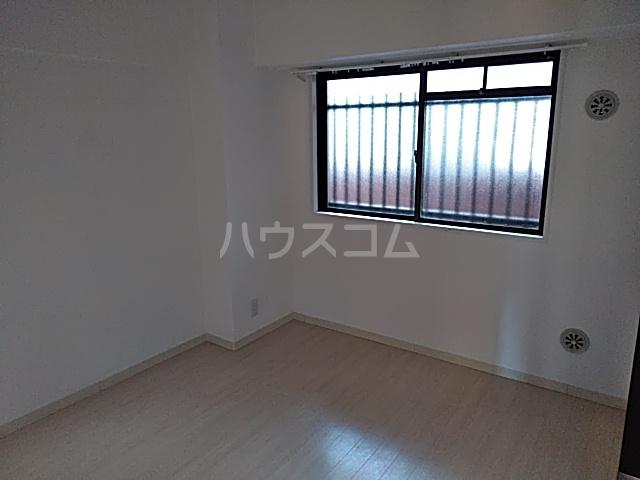 グレイスヴィラ阿部 2B号室の居室
