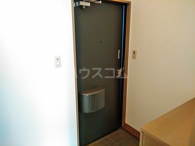サンプラミー段町 202号室の玄関