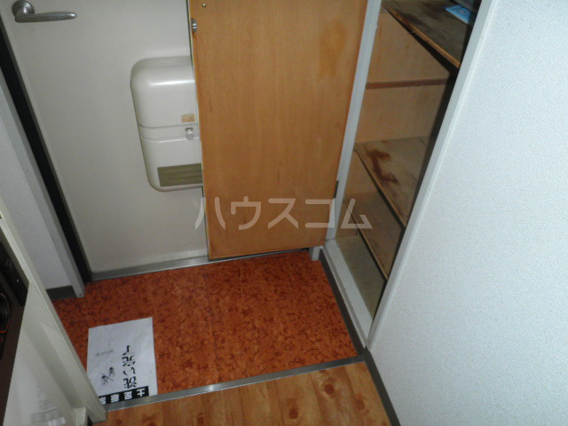 プレシャスアルモニ 511号室の玄関