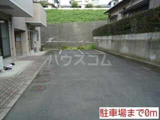 M3蔵波台 01020号室の駐車場