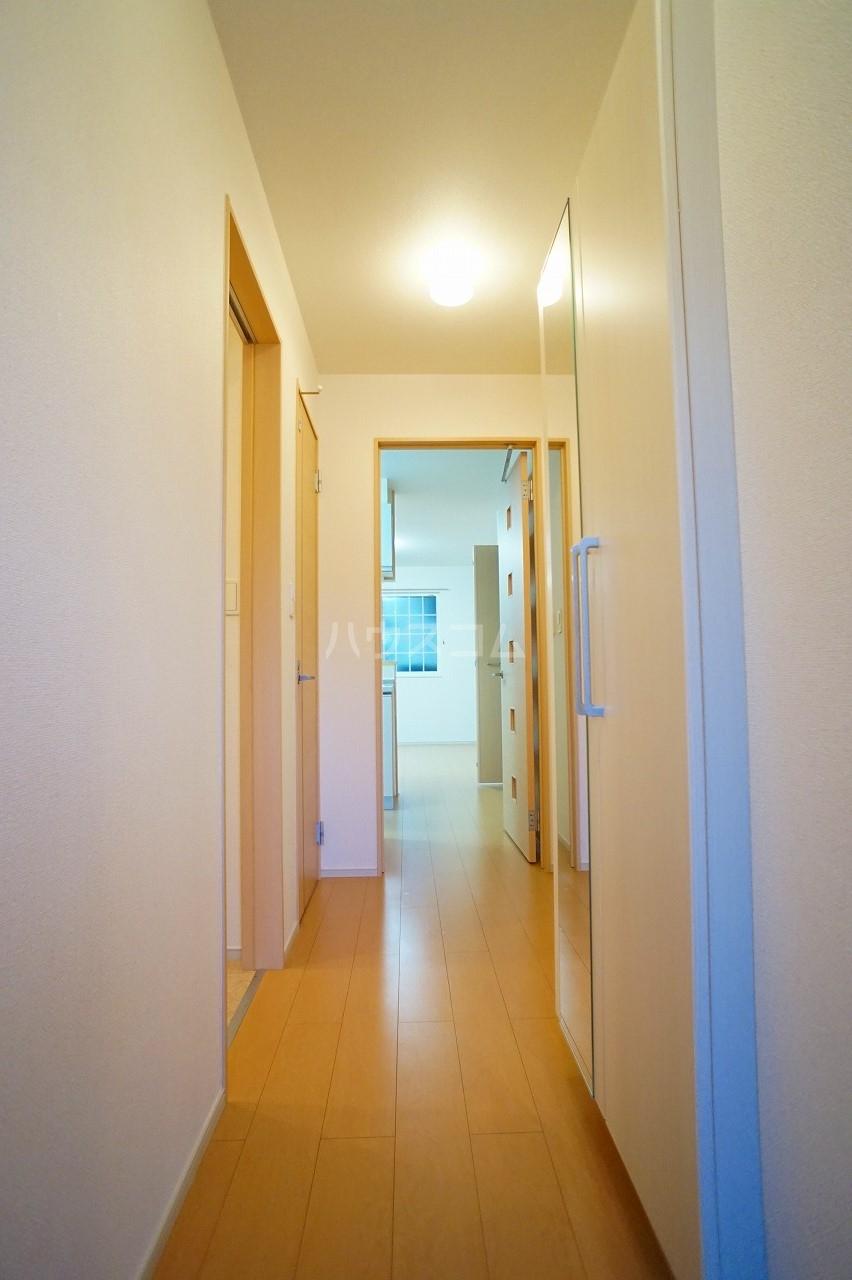 プルミエコート 01010号室の玄関