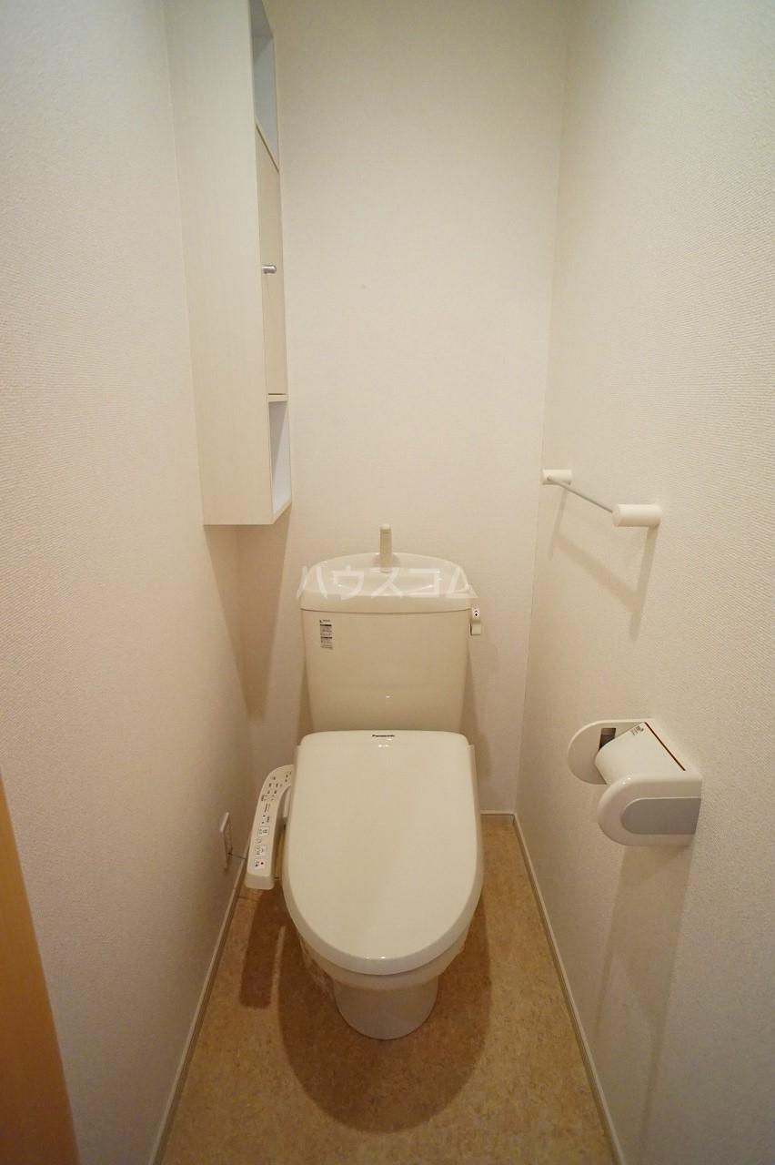 プルミエコート 01010号室のトイレ