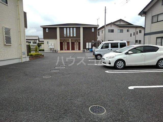 プラシードⅠ 02020号室の駐車場