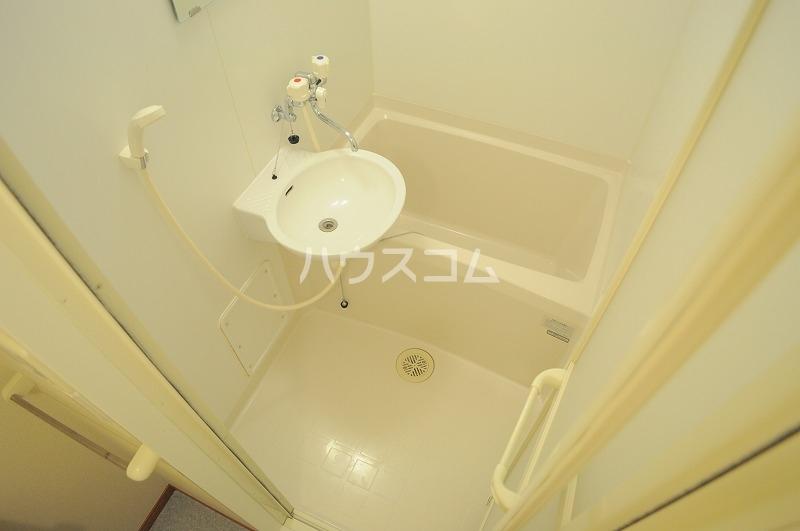 レオパレス本郷プラチナ 203号室の洗面所