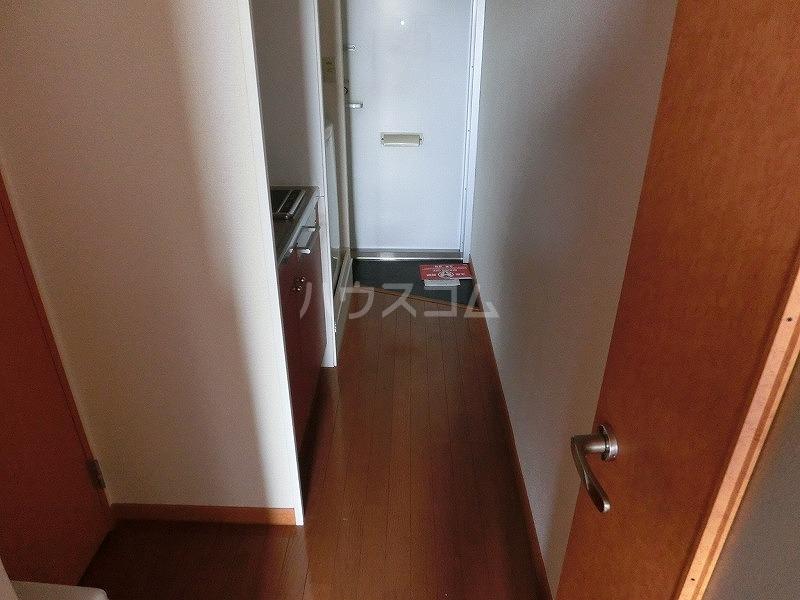 レオパレス本郷プラチナ 203号室の収納