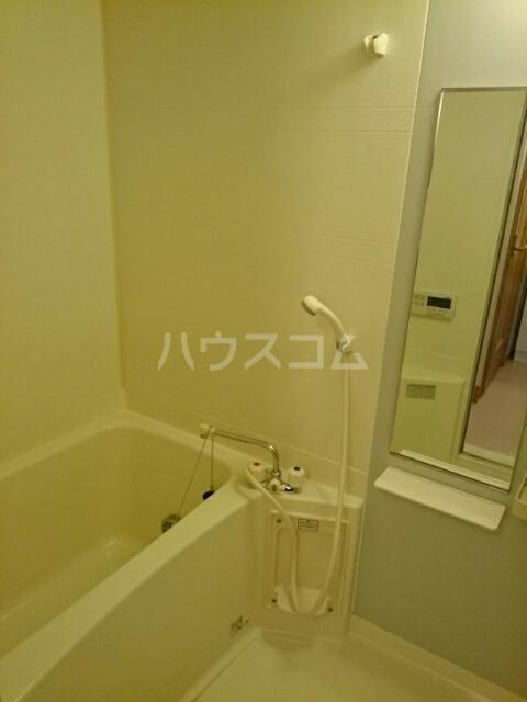 ビ・エトワール 01010号室の風呂