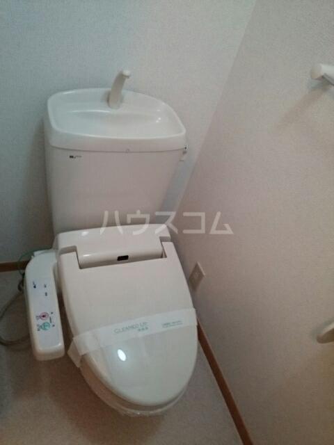 ビ・エトワール 01010号室のトイレ