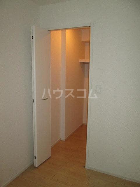 シャルム 01020号室の収納