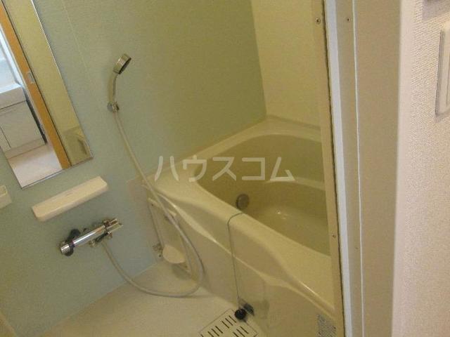 シャルム 01020号室の風呂