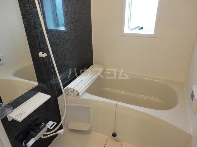 Tommy  Residence(トミーレジデンス) 205号室の風呂