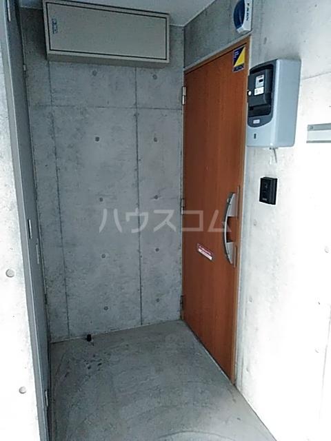 ミストラル 1-B号室の玄関