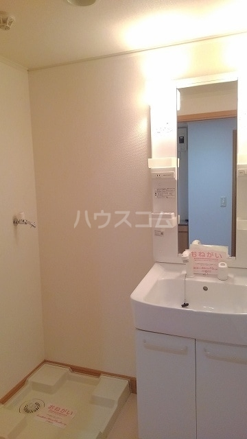 バローネT 02030号室の洗面所