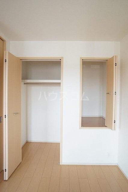 リュミエールレーヴE 02010号室の収納