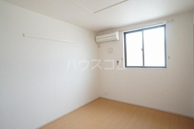 リュミエールレーヴE 02010号室の居室