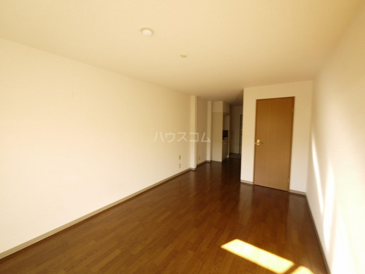 メゾン庄名2 305号室のリビング