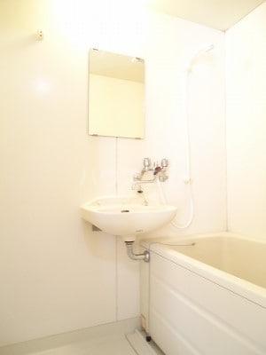 リバーサイドK 01050号室の風呂
