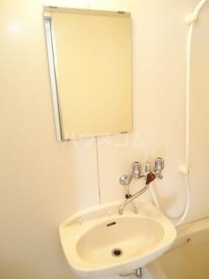 リバーサイドK 01050号室の洗面所