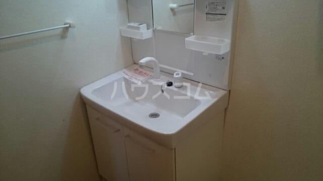 レジデンスミナミ 01040号室の洗面所