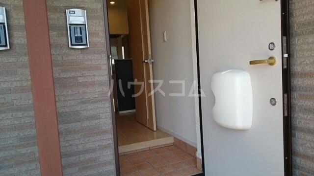 レジデンスミナミ 01040号室の玄関