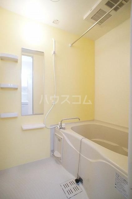 ブランネージュⅠ 02010号室の風呂