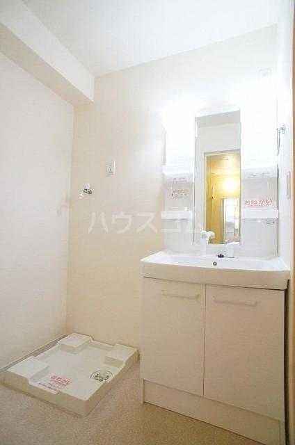 ブランネージュⅠ 02010号室の洗面所