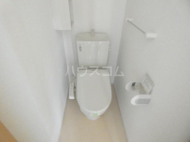 リバーサイドレジデンス 01020号室のトイレ