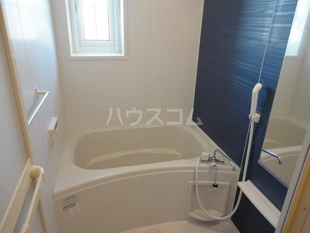 フルール・ド・リスⅠ 02030号室の風呂