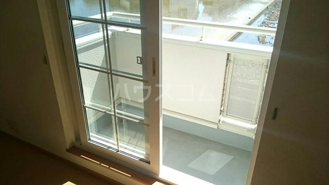 サンライズハウス 02010号室のバルコニー