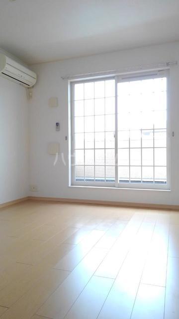 キラリ・トヨダ 02030号室のリビング