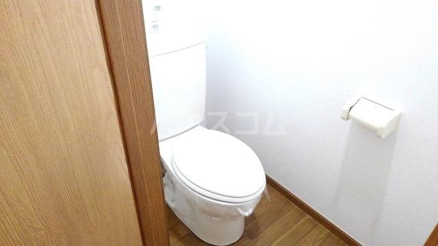 ライフサークルパ-ト10 01010号室のトイレ