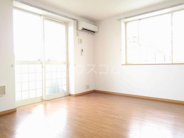 パール・カーサB 02010号室のリビング