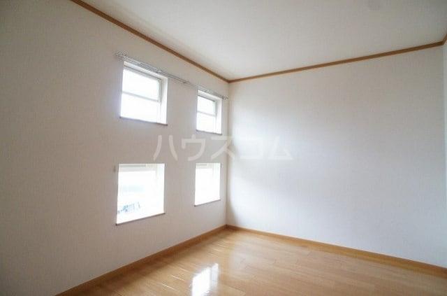 ラ・ポアール 02020号室のベッドルーム