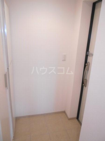 フロレゾン桜新町 4B号室の玄関