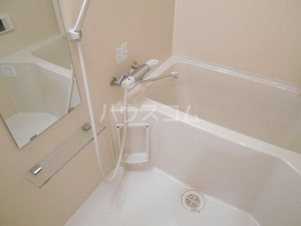 フロレゾン桜新町 4B号室の風呂