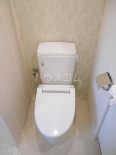フロレゾン桜新町 4B号室のトイレ